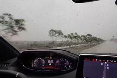 Menyetir Aman Saat Kondisi Hujan Deras