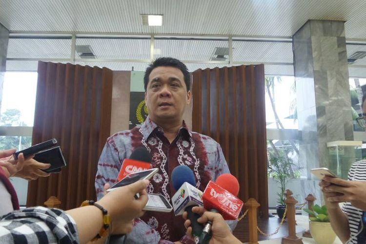 Wakil Ketua Komisi II DPR Ahmad Riza Patria di Kompleks Parlemen, Senayan, Jakarta, Senin (8/5/2017).