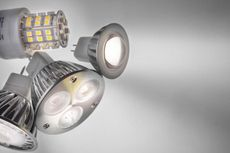 Sinar Lampu LED Merusak Retina Mata?