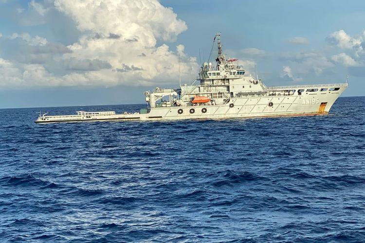 Kapal Angkatan Laut China atau People Liberation Army Navy (PLA Navy) sudah tiba di perairain Bali pada Minggu (2/5/2021) guna membantu evakuasi kapal selama KRI Nanggala-402.