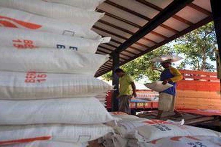 Ilustrasi. Distribusi barang ke Jakarta terhambat akibat banjir melanda ibu kota.