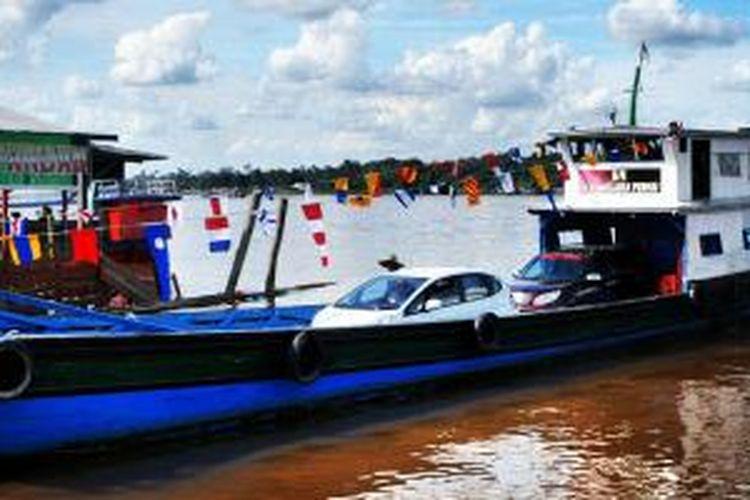 Angkutan sungai di Kutai, Kaltim.