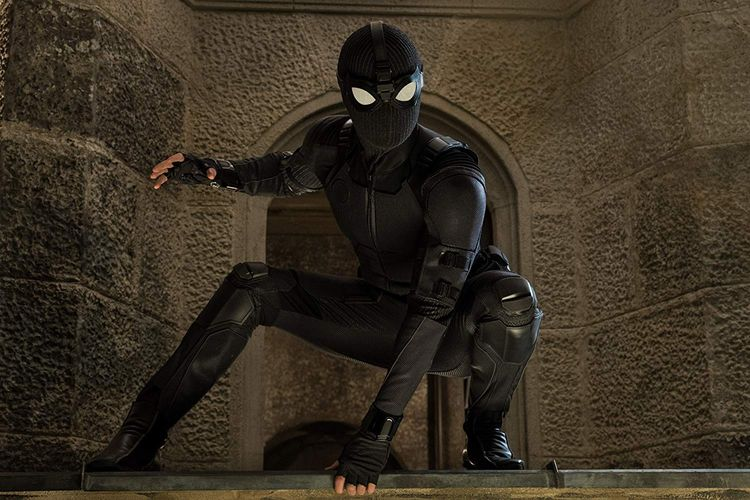 Stealth Suit atau kostum Stealth Peter Parker dalam Spider-Man: Far From Home.