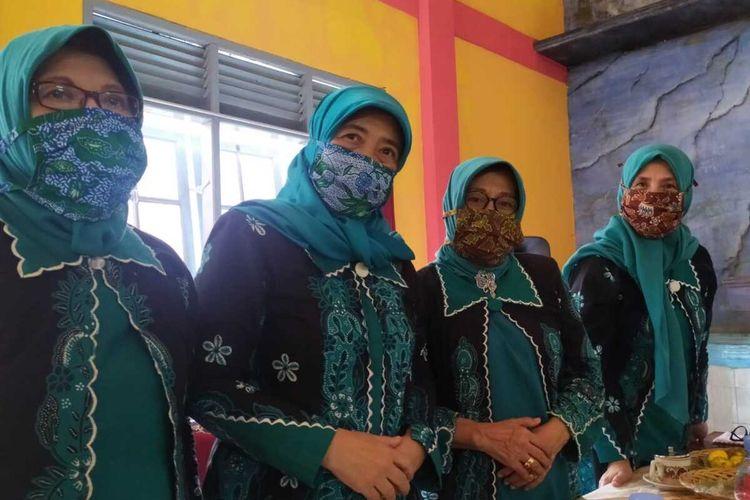 Ilustrasi masker batik.