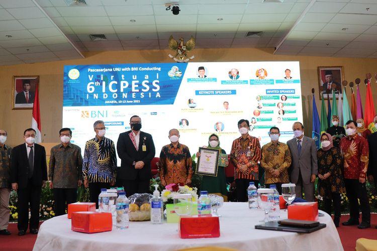 Pascasarjana Universitas Negeri Jakarta (UNJ) menjadi tuan rumah Virtual International Conference of Physical Education and Sports Science ke-6 (6th Virtual ICPESS 2021) yang diadakan tanggal 10-13 Juni 2021.