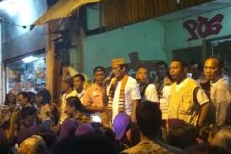 Calon wakil gubernur DKI Jakarta Sandiaga Uno berkampanye di Jalan Budi Mulia, Pademangan Barat, Jakarta Utara, Selasa (22/11/2016).