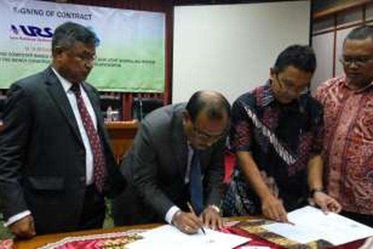 PT Len Railway Systems (LRS)  menandangani kontrak kerja sama dengan Biswas Construction untuk pengerjaan modifikasi persinyalan perkeretaapian Jalur Kota Ishurdi hingga Joydebpur, Bangladesh, Kamis (20/10/2016) malam.