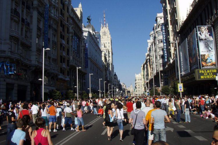 Pemerintah Kota Madrid menerapkan larangan penggunaan kendaraan di pusat kota.