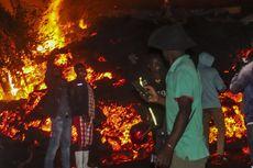 Letusan Gunung Nyiragongo di Kongo: Warga Selfie Depan Rumah Mereka yang Terbakar