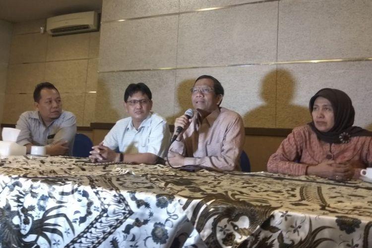 Mahfud MD dalam acara Diskusi Kebangsaan di Surabaya, Selasa (15/1/2019) malam