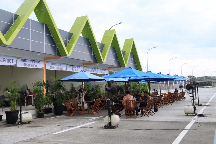 Rest area yang dikelola PT Jasamarga Properti di koridor Jalan Tol Trans-Jawa.