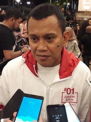 Sekretaris Jenderal Partai Kebangkitan Bangsa Abdul Kadir Karding memberi keterangan pada wartawan di Hotel Sultan jelang debat kelima Pilpres 2019, Sabtu (13/4/2019).