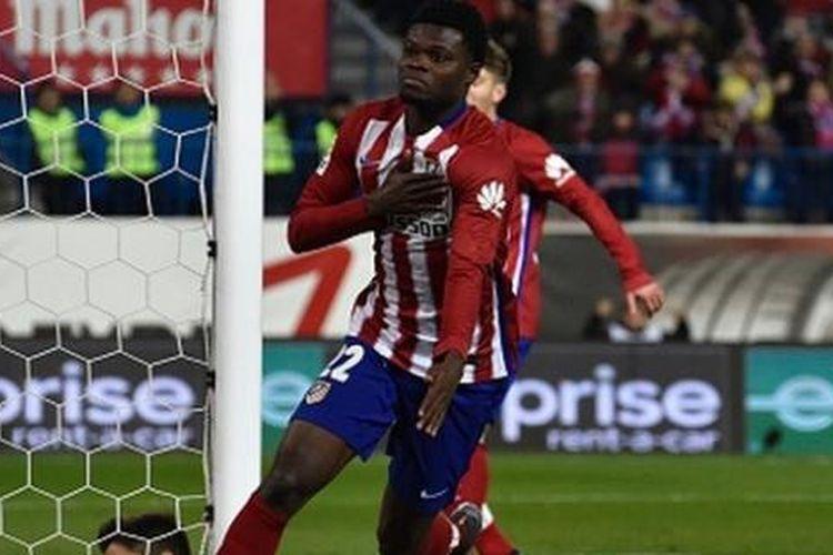 Thomas Partey mencetak gol penentu kemenangan Atletico atas Levante di Stadion Vicente Calderon, Sabtu (2/1/2016).