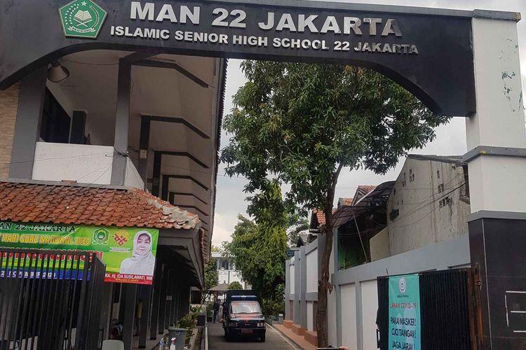 Suasana MAN 22 Jakarta pada Jumat (4/12/2020). Madrasah telah ditutup sejak Senin (30/11/2020) usai 30 orang guru dan karyawan MAN dikabarkan positif terpapar Covid-19.