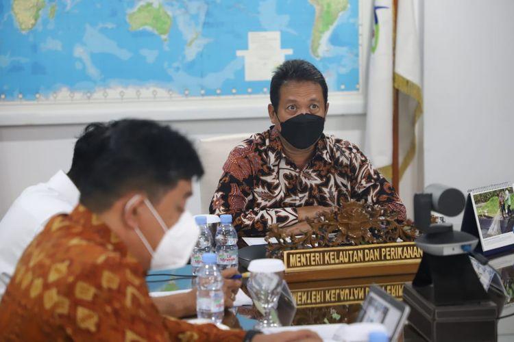 Menteri Kelautan dan Perikanan (KP) Sakti Wahyu Trenggono mengajak pemerintah Vietnam untuk bekerja sama memberantas jual beli ilegal benih bening lobster (BBL).