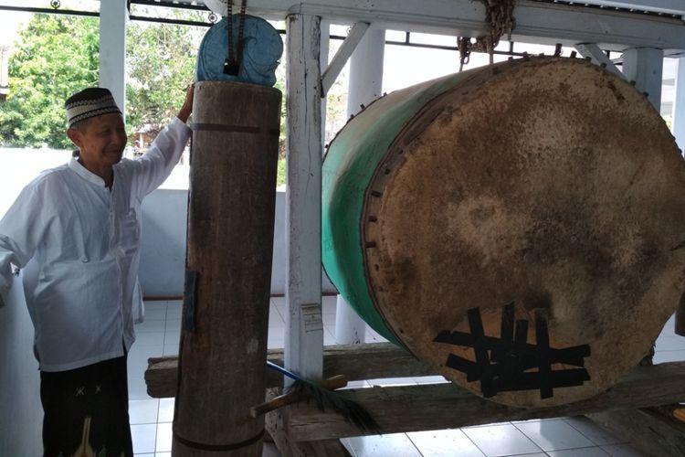 Kentongan dan bedug di Masjid Besar Suruh di desa Suruh, Kecamatan Suruh, di Kabupaten Semarang.