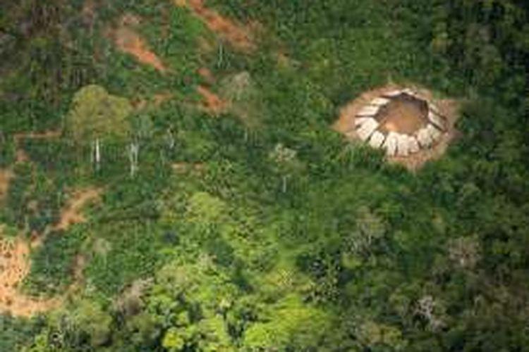 Foto terbaru ini diambil pemerintah Brasil dengan menggunakan pesawat untuk menginvestigasi jumlah penambang liar di kawasan itu.