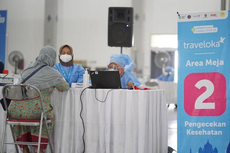 Dalam rangka mempercepat cakupan vaksinasi Covid-19, bersama dengan Kementerian Ekonomi Kreatif dan Pemerintah Provinsi Yogyakarta, perusahaa lifestyle super-app Traveloka menyelenggarakan vaksinasi pada 26-30 April 2021 di Yogya Expo Center (YEC).  Traveloka akan menggelar kegiatan sama di tempat sama selama lima hari pada 24, 25, 27, 28, dan 29 Mei 2021.