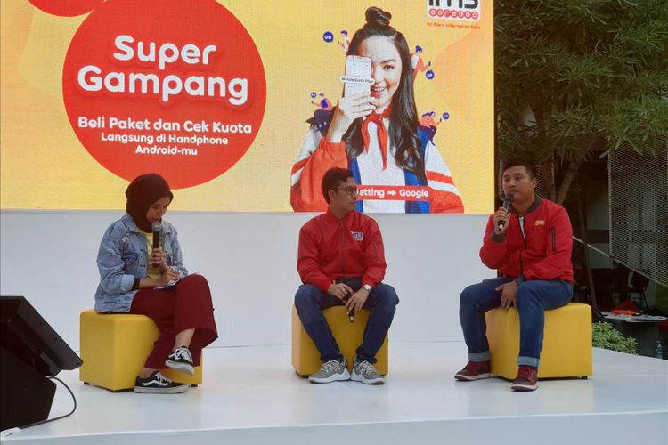 (kanan) Fahroni Arifin SVP Branding Management and Strategy dan Hendry Syaputra, VP Mobile Financial Service and New Business Indosat Ooredoo