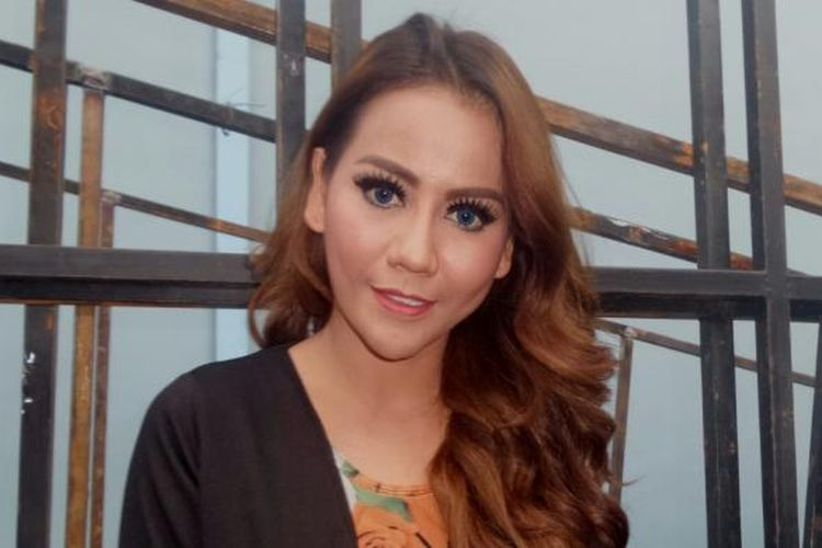 Nita Thalia diabadikan di Studio TransTV, Mampang, Jakarta Selatan, Senin (23/1/2017).