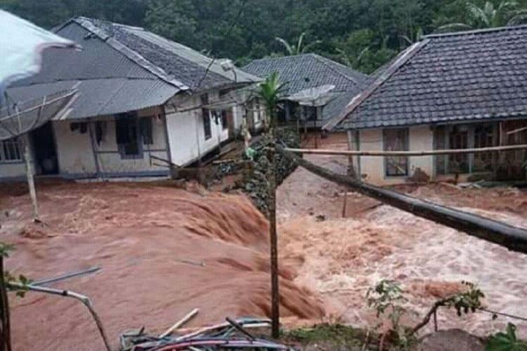 Ilustrasi banjir rendam permukiman penduduk