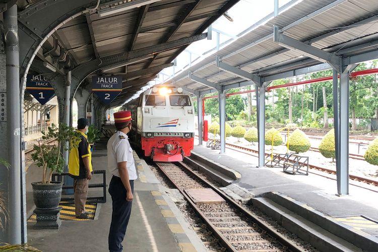 Kereta api di daerah operasional (Daop)9 bakal tidak beroperasi sejak 25 April 2020 hingga 31 Mei 2020
