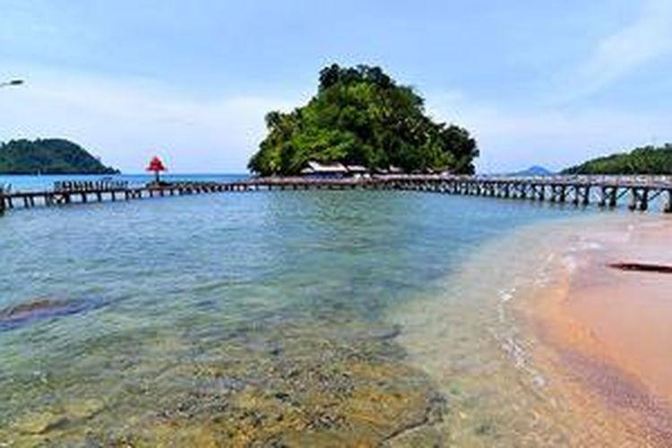 Pantai Painan di Sumatera Barat.