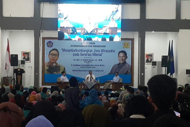 Cawapres Sandiaga Uno bersama Ketua MPR, Zulkifli Hasan menjadi nara sumber kuliah umum bertemakan Menumbuhkembangkan Jiwa Wirausaha pada Generasi Milenial di Kampus II Universitas Muhammadiyah Surakarta, Sabtu ( 22 / 9 / 2018).