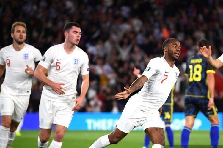 Raheem Sterling berselebrasi setelah mencetak gol pertamanya pada laga Timnas Inggris vs Kosovo dalam lanjutan Kualifikasi Euro 2020 di Stadion St Mary, 10 September 2019.