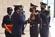 Panglima TNI Sematkan Bintang Angkatan Kelas Utama kepada Kapolri