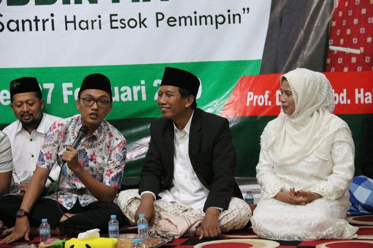 Aminuddin Maruf, Staf Khusus Presiden RI saat berkunjung ke pesantren Shofa Marwa di Jember. Dia memberikan motivasi pada para sanri