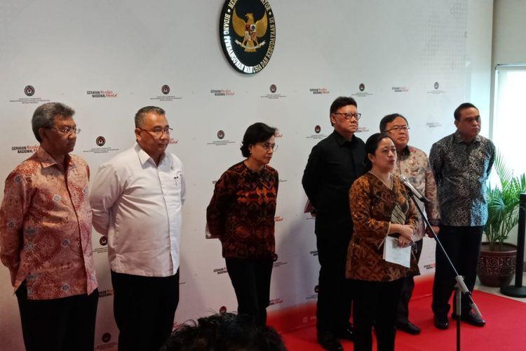 Konferensi pers terkait penyetaraan gaji perangkat desa di Kantor Kemenko PMK, Jakarta Pusat, Kamis (24/1/2019).