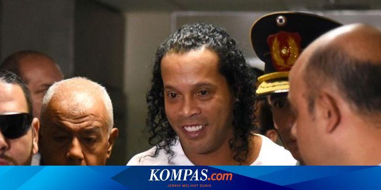 Usai Lima Bulan Jadi Tahanan, Ronaldinho Akhirnya Dibebaskan