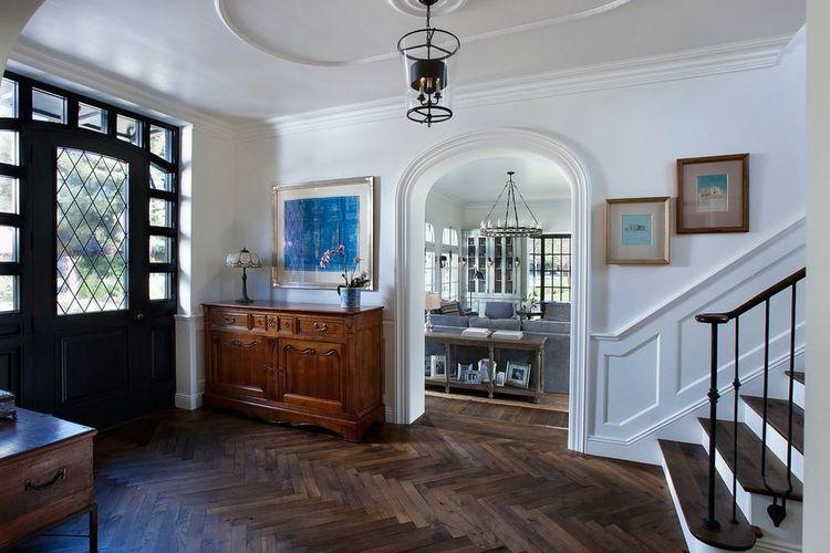 Lantai selasar rumah yang cantik