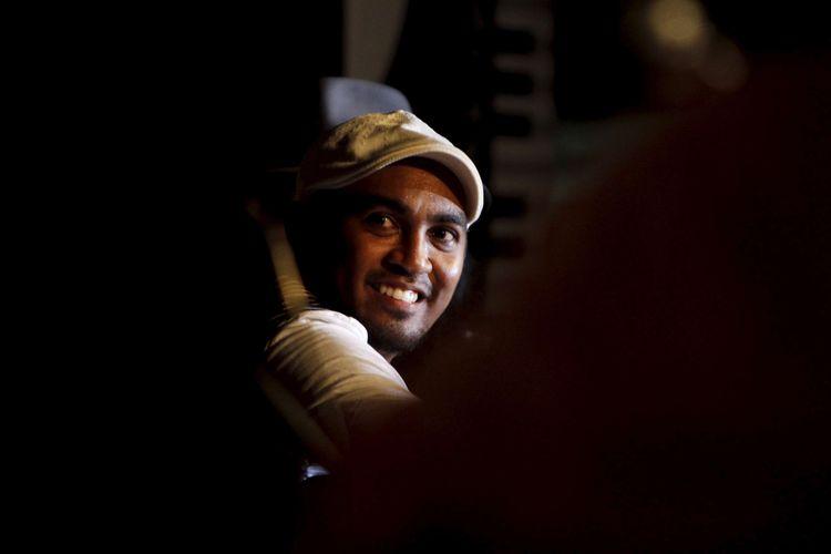 Musisi Glenn Fredly tampil dalam acara Bentara Pentas Musik bertajuk Wuiiih Day, di Bentara Budaya Jakarta, Palmerah, Kamis (16/2/2012).