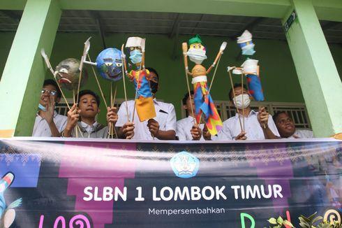 Memukau, Siswa Berkebutuhan Khusus di Lombok Timur Sajikan Pertunjukan Wayang Botol