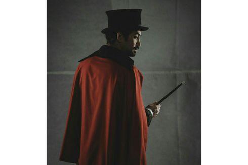 Kostum Pesulap yang Dikenakan Reza Rahadian di Film Abracadabra Akan Dilelang