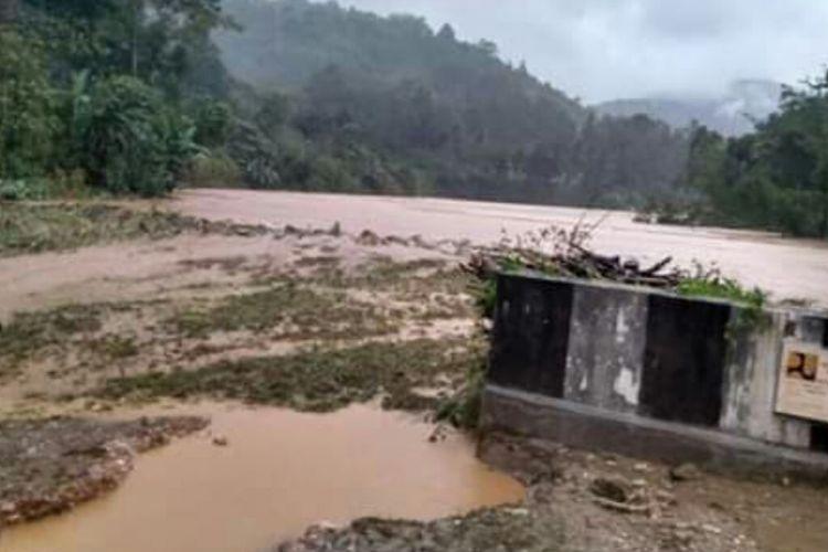 Lahan pertanian milik warga di Kecamatan Silima Pungga-pungga, Kabupaten Dairi, rusak dihajar banjir bandang, Rabu (19/12/2018).