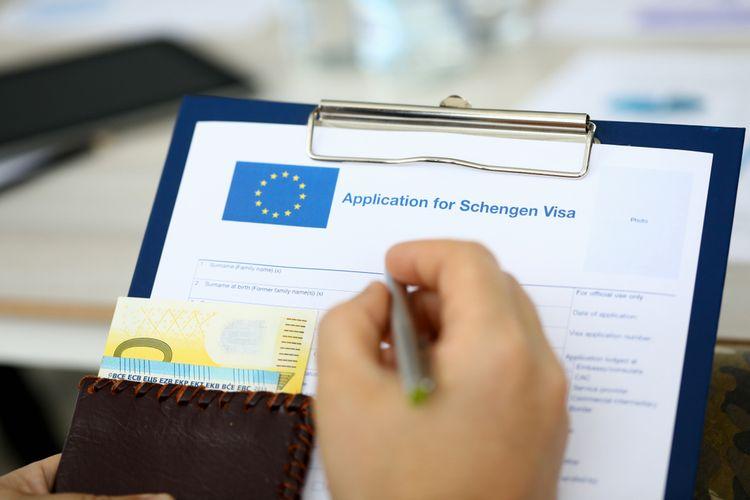 Ilustrasi pengajuan visa Schengen