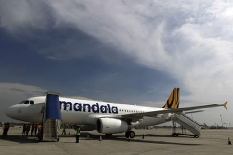 Airbus A320 milik Tigerair Mandala Airlines saat berada di Terminal 3 Bandara Soekarno Hatta, Tangerang, Banten.