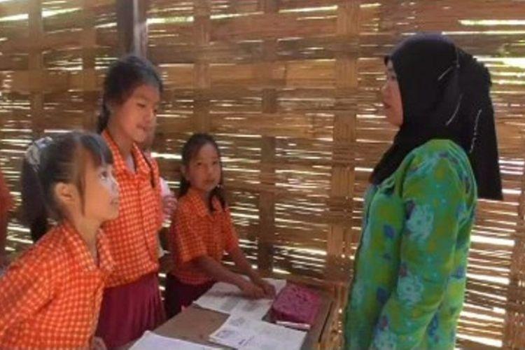 7 tahun mengabdi di sekolah reot, guru sukarela  di Mmauju sulawesi barat ini berharap diangkat jadi ASN