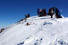 Mahasiswa Universitas Sriwijaya Coba Daki Gunung Elbrus