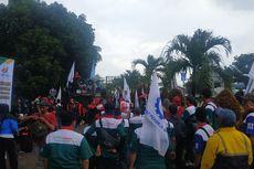 Serikat Buruh Demo PT Jalantol Lingkarluar Jakarta, Protes PHK Mirah Sumirat