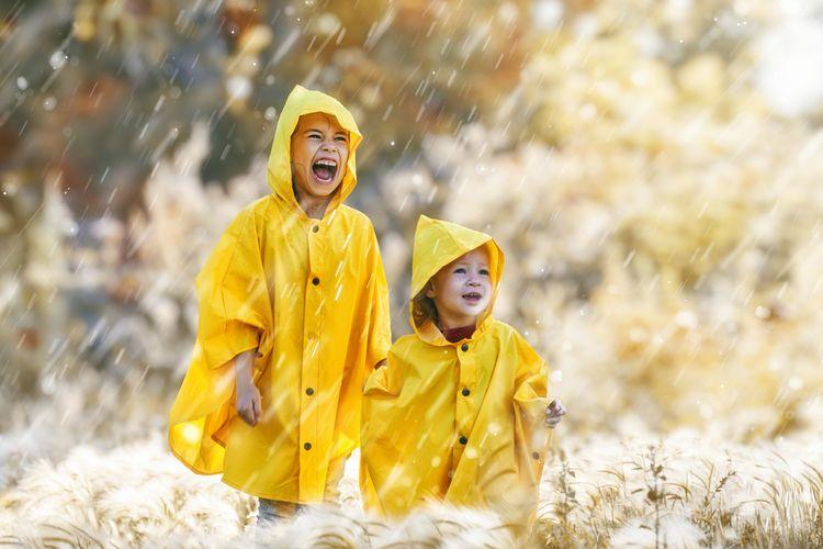 ilustrasi jas hujan