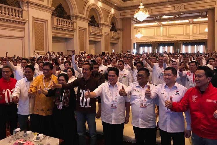 Calon presiden nomor urut 1, Joko Widodo menghadiri Rakernas Tim Kampanye Nasional di Hotel Empire Palace, Kota Surabaya, Minggu (28/10/2018).