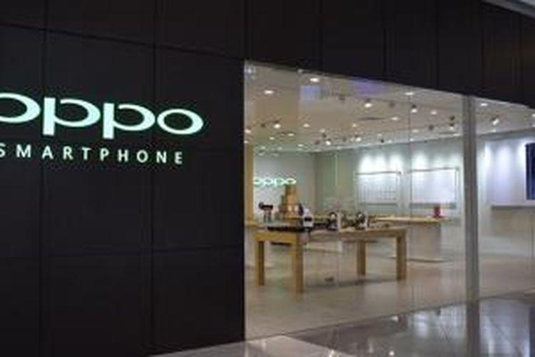 Toko concept store Oppo di Suntec City Mall, Singapura
