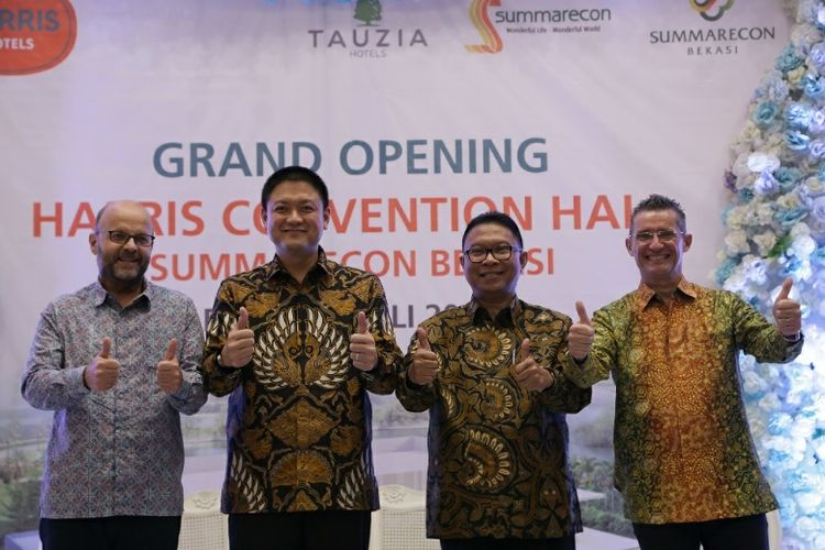 Pembukaan Harris Convention Hall Summarecon Bekasi, Rabu (12/7/2017).