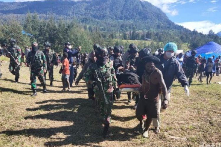 Seorang pelajar tingkat SMA bernama Ali Mom (16) tewas ditembak Kelompok Kriminal Bersenjata (KKB) di Kampung Wuloni, Distrik Ilaga,Kabupaten Puncak,Papua,Kamis (15/4/2021).