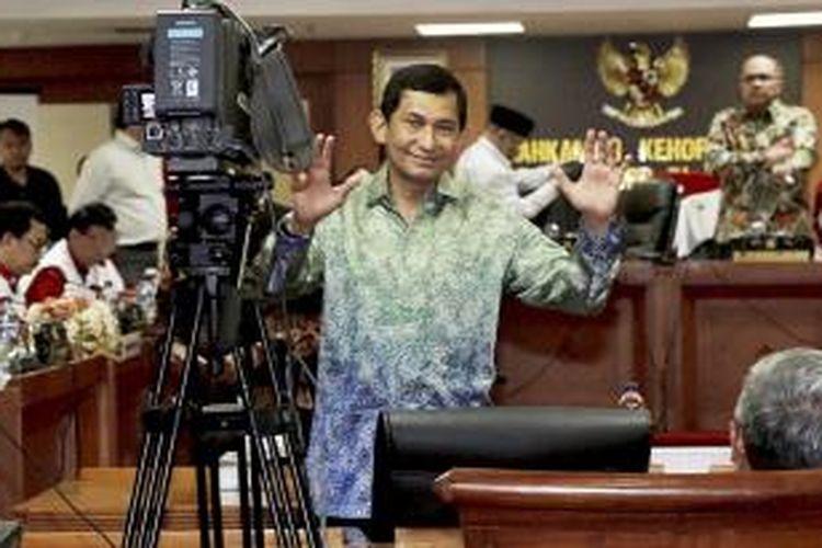 Direktur Utama PT Freeport Indonesia Maroef Sjamsoeddin hadir memberi keterangan pada sidang lanjutan perkara pencatutan nama Presiden dan Wakil Presiden, di Mahkamah Kehormatan Dewan, Gedung MPR DPR, Jakarta, Kamis (3/12/2015). Saat memberi keterangan itu ia mengaku telah menyerahkan telepon gengam yang digunakan untuk merekam kepada penyidik Jaksa Agung Pidana Khusus di Jakarta pada Rabu (2/12) malam.