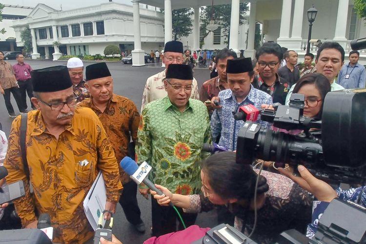 Sejumlah pimpinan organisasi massa Islam yang tergabung dalam Lembaga Persahabatan Ormas Islam usai bertemu Presiden Joko Widodo di Istana Merdeka, Jakarta, Selasa (22/1/2019).